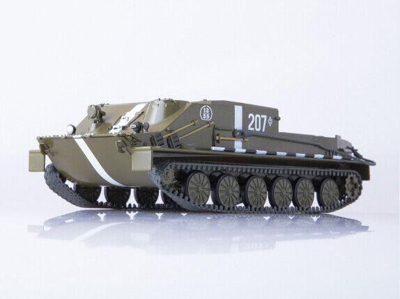 Skalenlig modellllerl tank 1 43 BTR -50