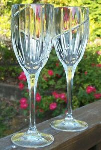 LOT-of-2-MIKASA-UPTOWN-WINE-GLASSES-8-1-8-inches-high-x-2-3-8-inches-across