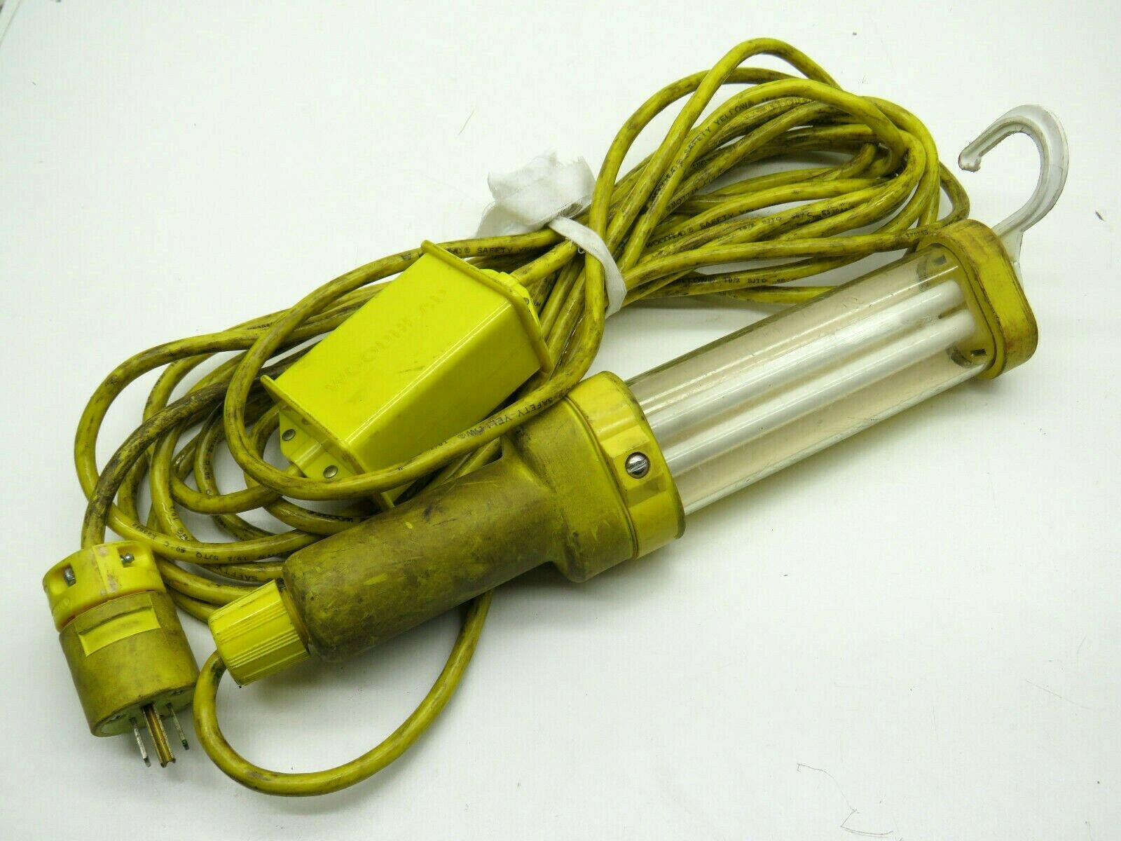 DANIEL WOODHEAD  FLUORESCENT HAND LAMP 13W 120V//60HZ W// 50/' CORD NEW IN BOX