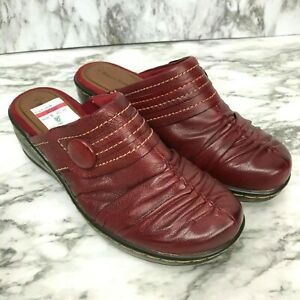 NWT-Bare-Traps-Poetta-Clogs-Womens-US-8-UK-6-EUR-38-5-Red-Burgundy-Slip-On-Shoes