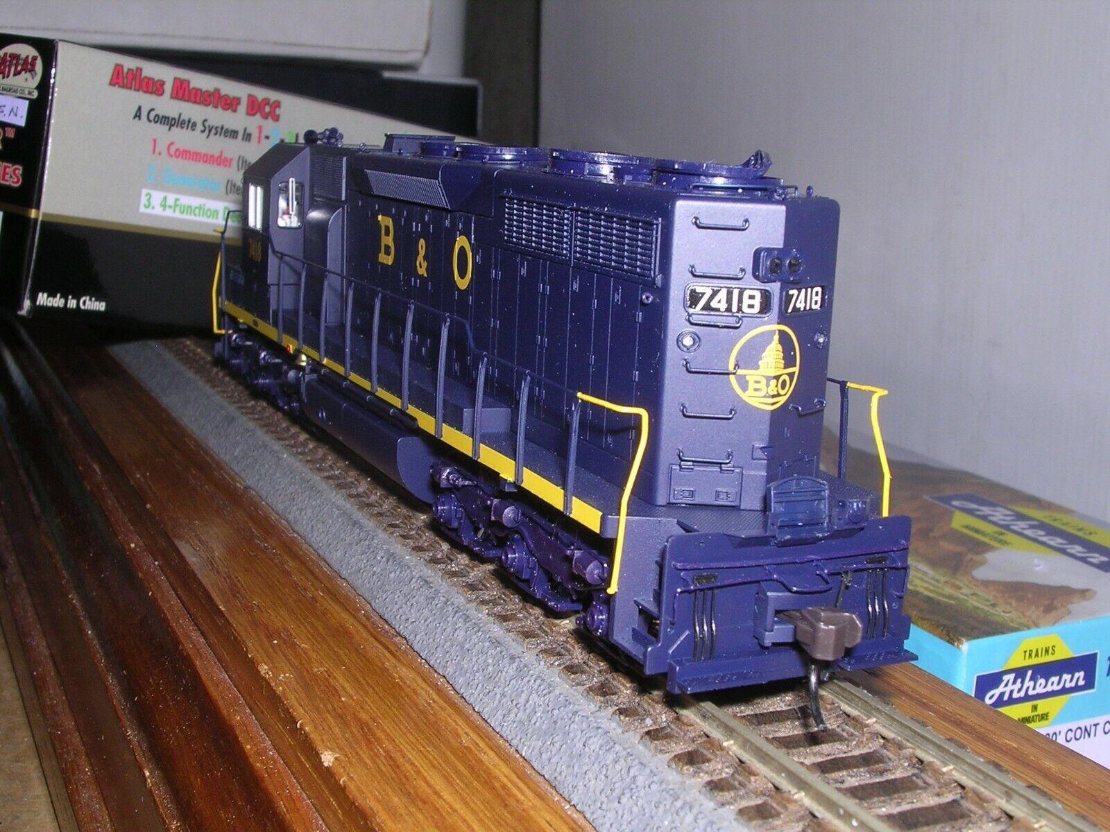 ATLAS  9227  Baltimore & Ohio EMD SD-35 Low Nose Diesel Loco  7418  H.O. 1 87