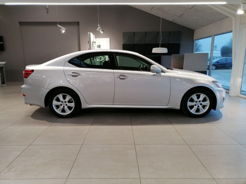 Lexus IS250 2,5 L2 aut. 4d
