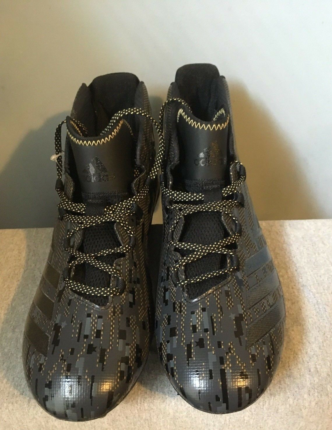 BRAND NEW MEN'S ADIDAS FREAK MID FOOTBALL CLEATS BUILT WITH KEVLAR - SIZE 10.5