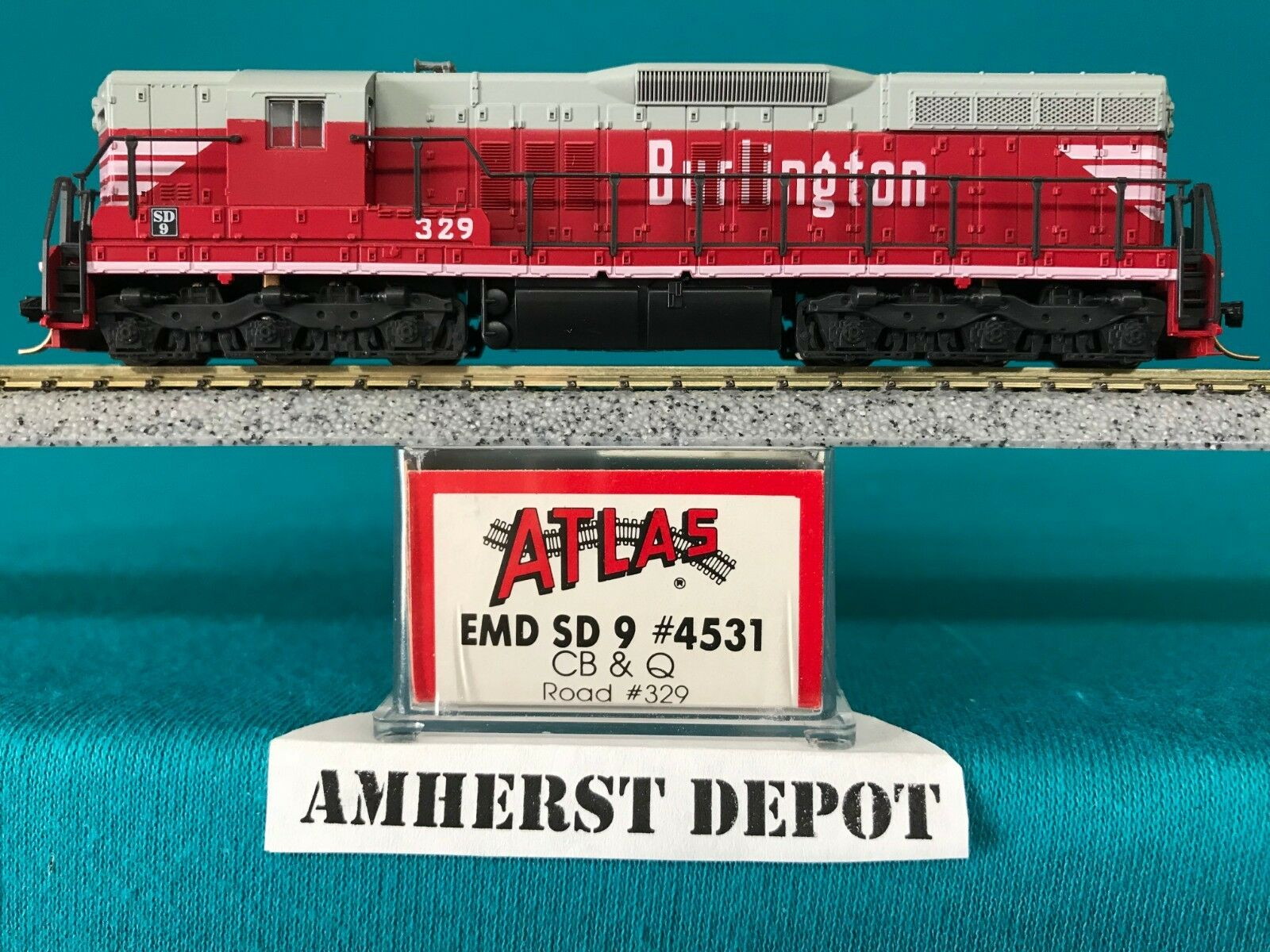 4531MT CB & Q Atlas N Scale Kato Drive SD-9 Engine w Micro-Train Couplers NIB
