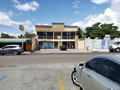 Edificio en venta con 4 locales y 2 departamentos amueblados por la Jesús Garcia