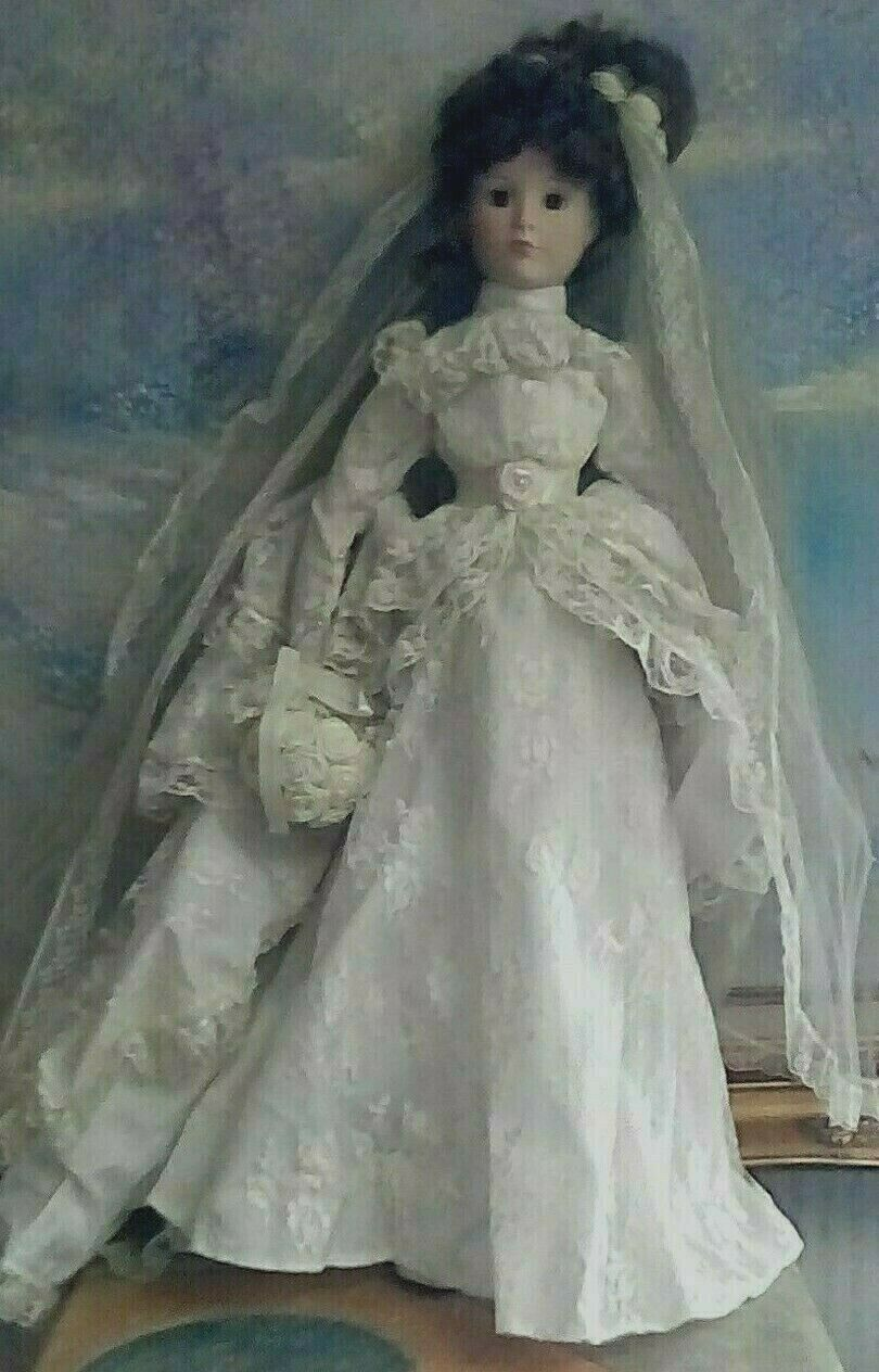 WEDDING BISQUE DOLL, LONG blancoo CREAM DRESS, LONG VEIL, BOUQUET, 20  INCHES
