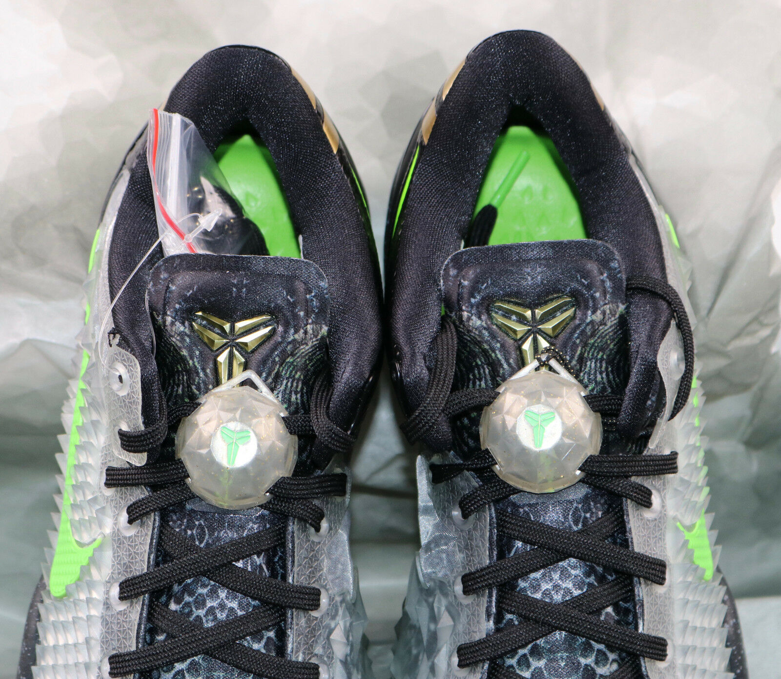 ebc117c2dab4 Nike Kobe 8 System SS Sz 10 Christmas Edition Black Electric Green Gold  Grinch for sale online