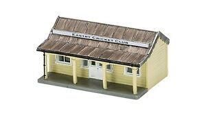 Hornby-The-Cricket-Pavilion-R9853-OO-Scale-suit-HO-also