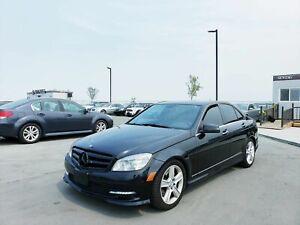 2011 Mercedes-Benz Classe C C300 4Matic Leather Navi B.Camera Sunroof Sensors Keyless