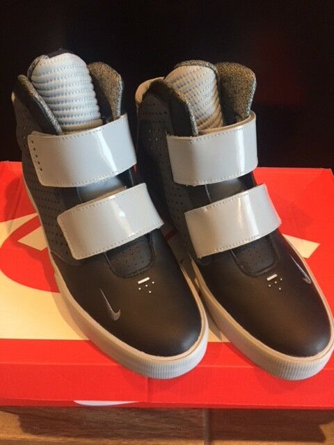Nike Flystepper 2K3 Grey & Black Men's Size 9.5 FREE SAME Day Shipping!