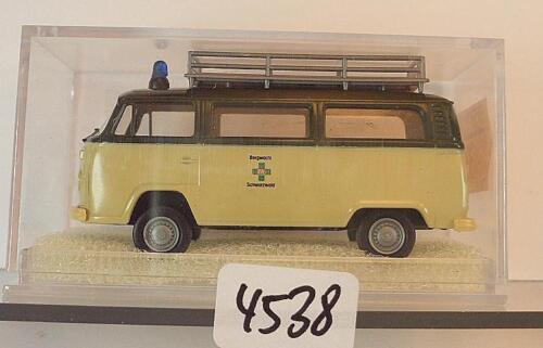 Brekina 1//87 Nr 3313 Volkswagen Bulli VW T2 Bus Bergwacht Schwarzwald OVP #4538