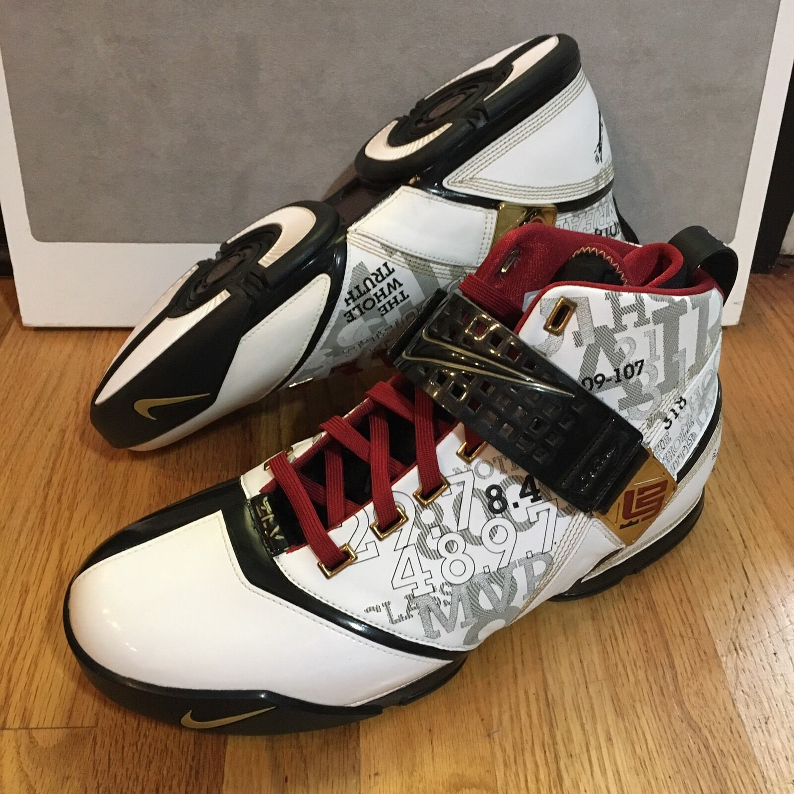 Nike Zoom Lebron V Milk Crate White Black Metallic gold Men's Size 14 Basketball