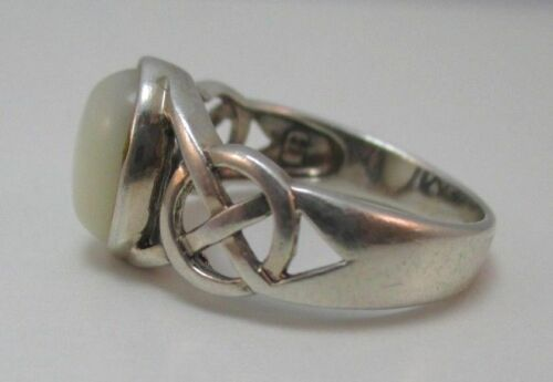 STERLING SILVER MOTHER OF PEARL OVAL STONE LADIES RING SIZE 9 W//HALLMARK **