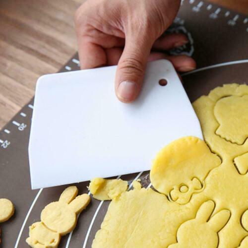 Plastic Pizza Dough Trapezoid Scraper Flour Pastry Cake Kitchen Durable O6Y1