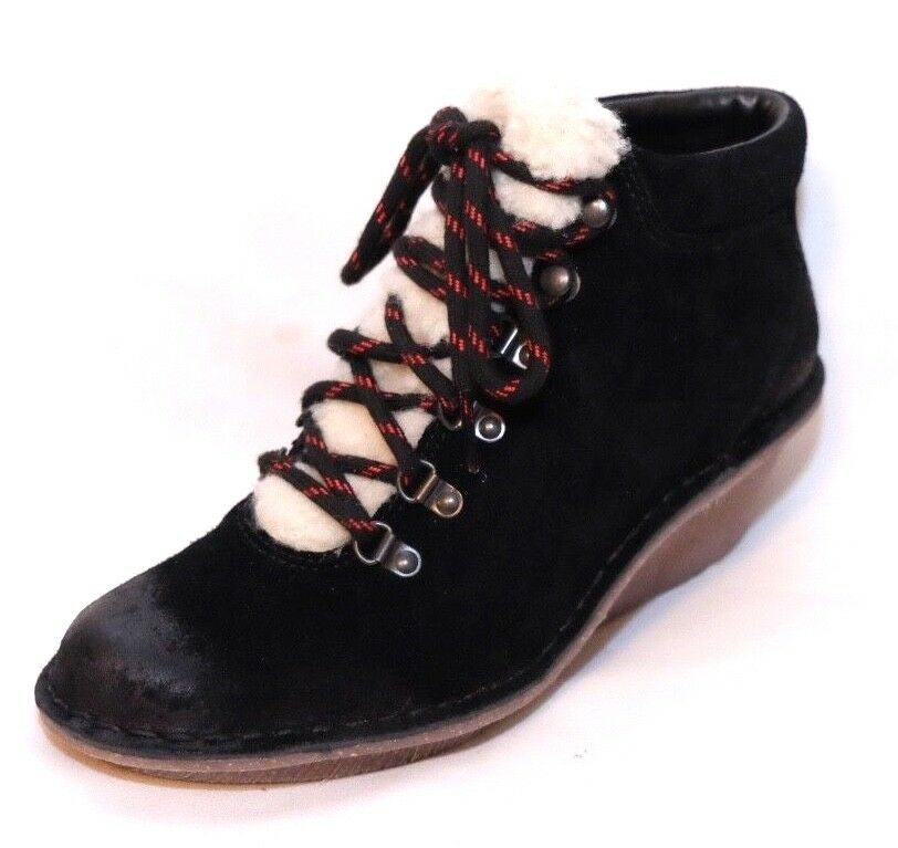 Clarks  ladies  Marsden Grace   Lace Up Faux Fur Trim Ankle Boot size 5D.New