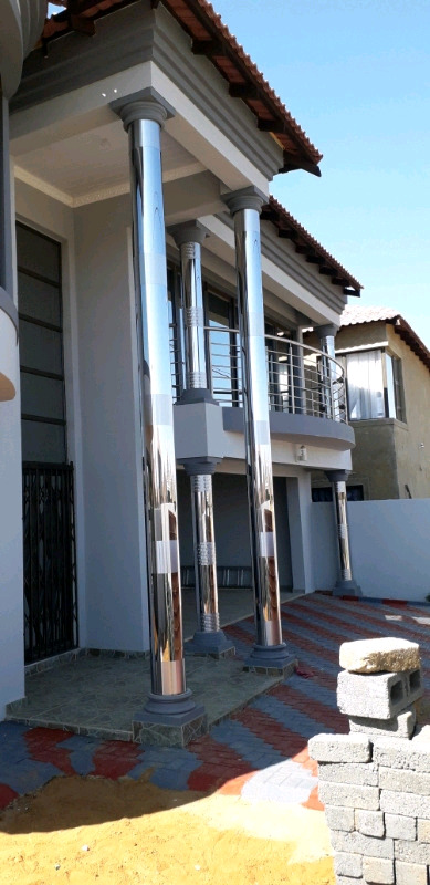 Pillars cover stainless steel & Gutters