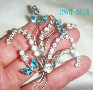 EARLIER-VINTAGE-Aquamarine-Crystal-Diamond-Rhinestone-Wired-Flower-Brooch