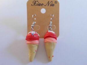 Ohrring-mit-Eistuete-mit-Orange-und-Erdbeer-Eiswaffel-Kunststoff-4776
