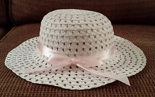 Girl's White Mesh Crocheted Sun Hat With Light Pink Ribbon