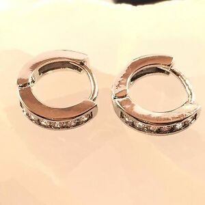 18CT-White-gold-Filled-CZ-Sapphire-Earrings-Hoop