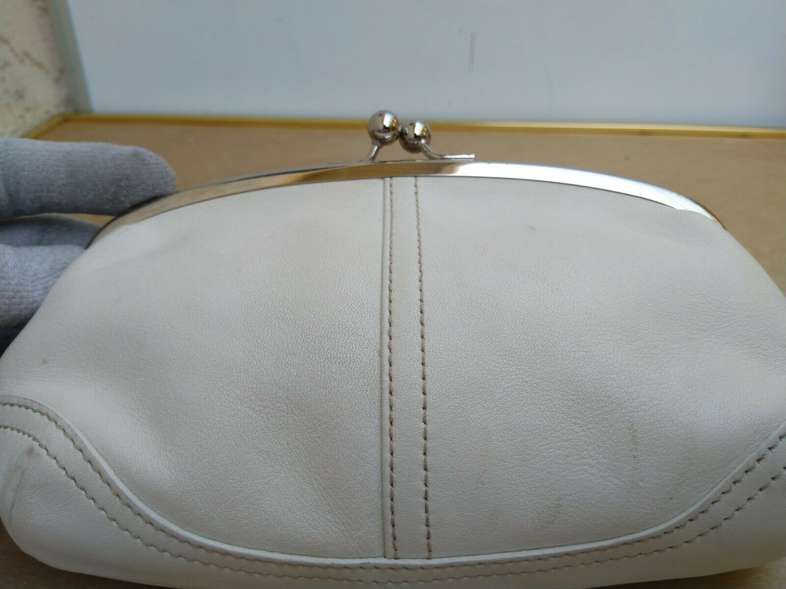 Coach Vtg Soho Kisslock Ivory Leather Framed Wris… - image 5