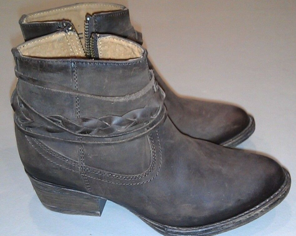 NEW Circle G Women's Braided Brown Strap Short Ankle Boots Q0028 Size 6.5 M NWOB