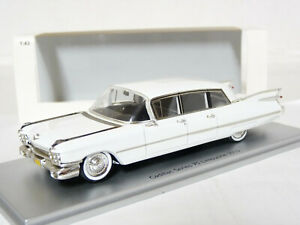 Kess-KE430220001-1-43-1959-Cadillac-75-Limousine-Resin-Model-Car
