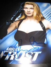 ROSAMUND PIKE SIGNED AUTOGRAPH 8x10 PHOTO JAMES BOND GONE GIRL BABE IN PERSON J