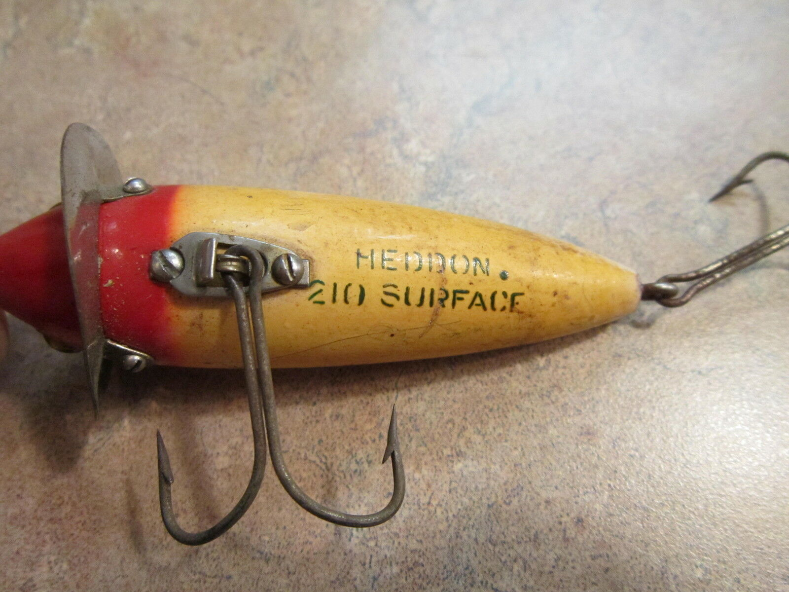 VINTAGE HEDDON RED WHITE 210 SURFACE LURE