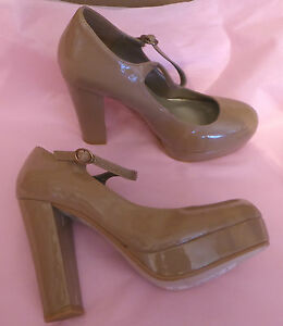 Red Herring UK5 EU38 US7 new beige patent high court shoes