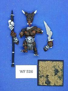 Warhammer-Fantasy-Chaos-Beasts-Minotaur-Standard-Bearer-Inc-Metal-WF526