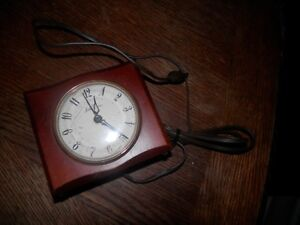 Details about Vintage Seth Thomas Beverly Model SS12J Electric Alarm Clock  For Parts or Repair