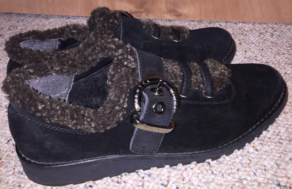 Zapatos De M Cuero Stuart Weitzman mujeres 8 M De Negro De Gamuza Hebilla Shearling Trim 9d825f