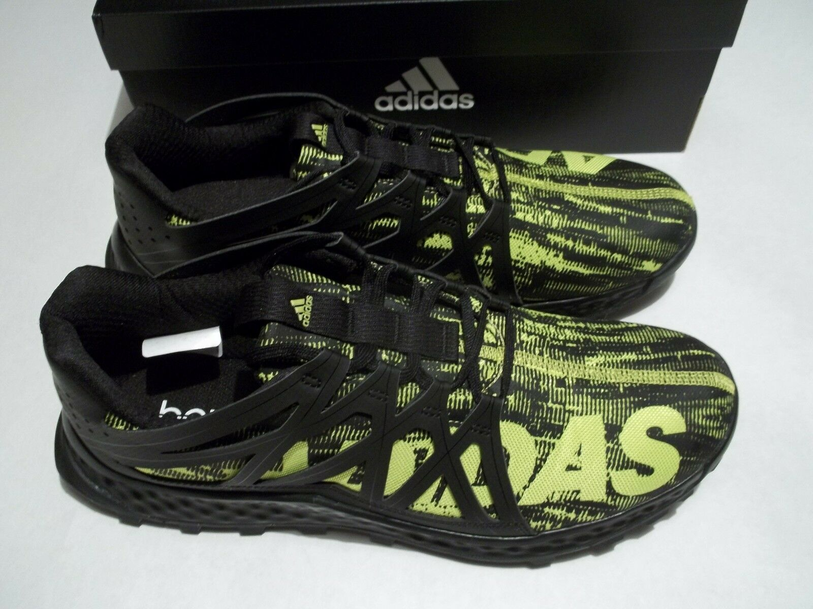 New In Box Adidas Vigor Bounce M Men's Size 13 shoes Black Yellow BB8380