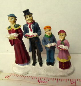 Grandeur-Noel-Train-Village-Caroling-Family-of-Four-Victorian-Christmas-2001