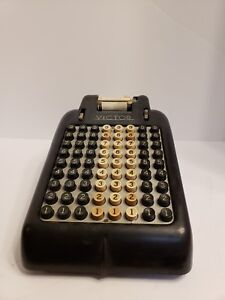 Vintage-Victor-Adding-Machine-Hand-Crank-Antique-Black-Decorative-Piece-Hipster