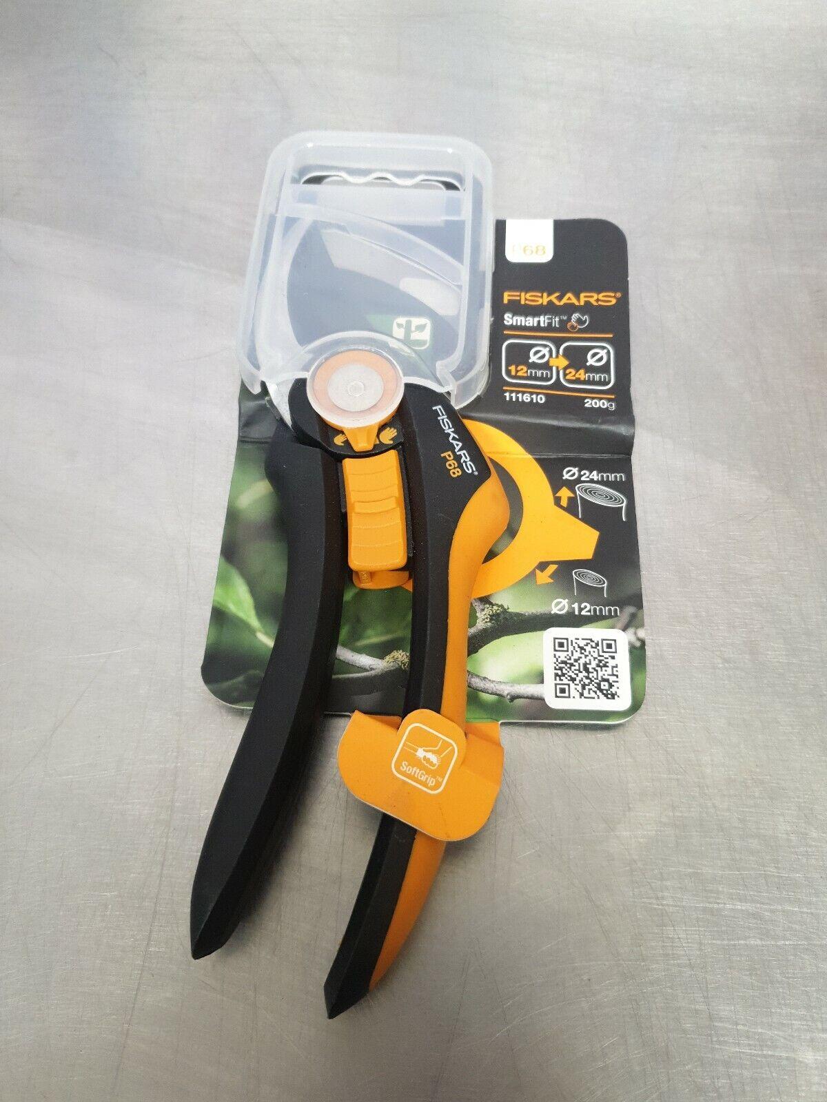 Fiskars Bypass Secateurs Pruners P68 SmartFit™ Cutting 24mm Branches Gardening
