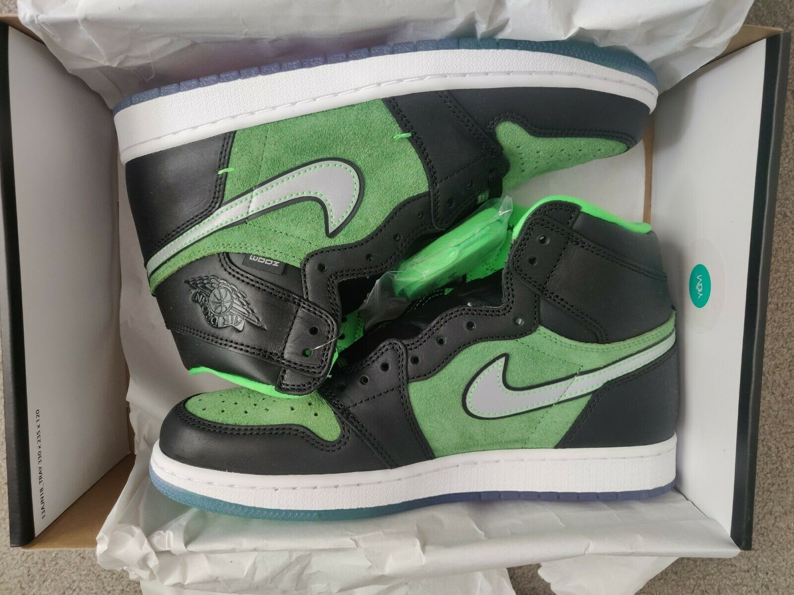 Jordan 1 Retro High Zoom Black Green UK 8.5 -Brand New