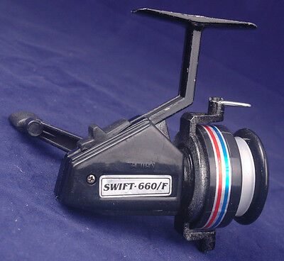 100% Waar Vintage Swift Zoomcast Spinning Reel 660f-w/ Instructions-black, Red White Blue