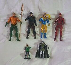 Lot De 6 Figurines Action Numérique & Marvel Aquaman Dare Devil Green Lantern Dr.doom