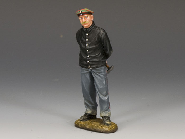 KING AND COUNTRY WW1 German Standing Mechanic  FW102 Painted Diecast Metal