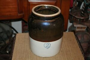Antique-2-Gallon-Stoneware-Pottery-Crock-Heart-Stamp-2-Tone-Brown-Colors