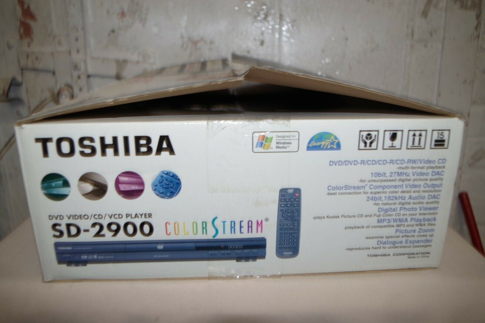 Toshiba DVD Video/CD/VCD Player SD-2900 NEW in box Color Stream box color dvd new player stream toshiba