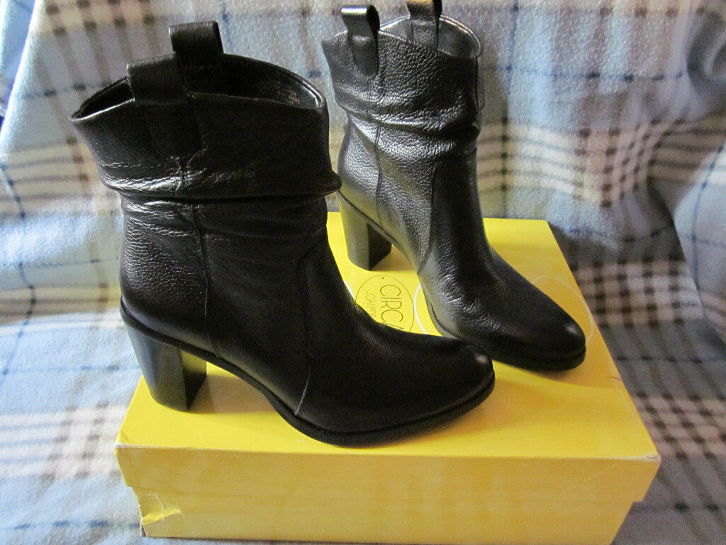 Circa Joan & David  6.5M Black Soft Leather Leather Leather Boots NIB Super CUTE & Great Quality 3ae13d