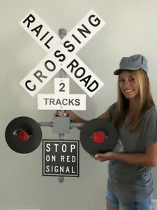 Railroad-Crossing-Signal-wall-decoration-no-sound