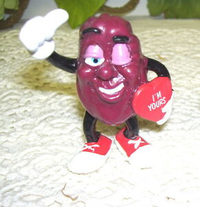 CALIFORNIA RAISINS VALENTINE FIGURE OF MAN W/ HEART I'M YOURS 1988