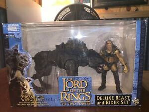The-Lord-Of-The-Rings-Sharku-with-Warg-Beast-Deluxe-Beast-and-Rider-Set