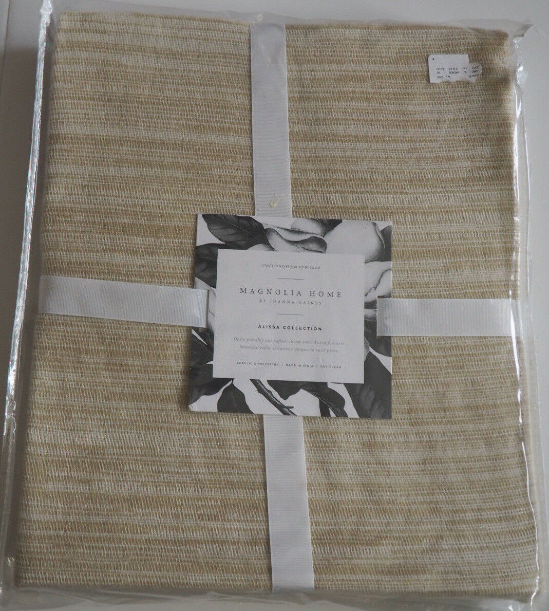 MAGNOLIA HOME Joanna Gaines ALISSA Collect Throw - Ivory & Beige 4'2  x 5'