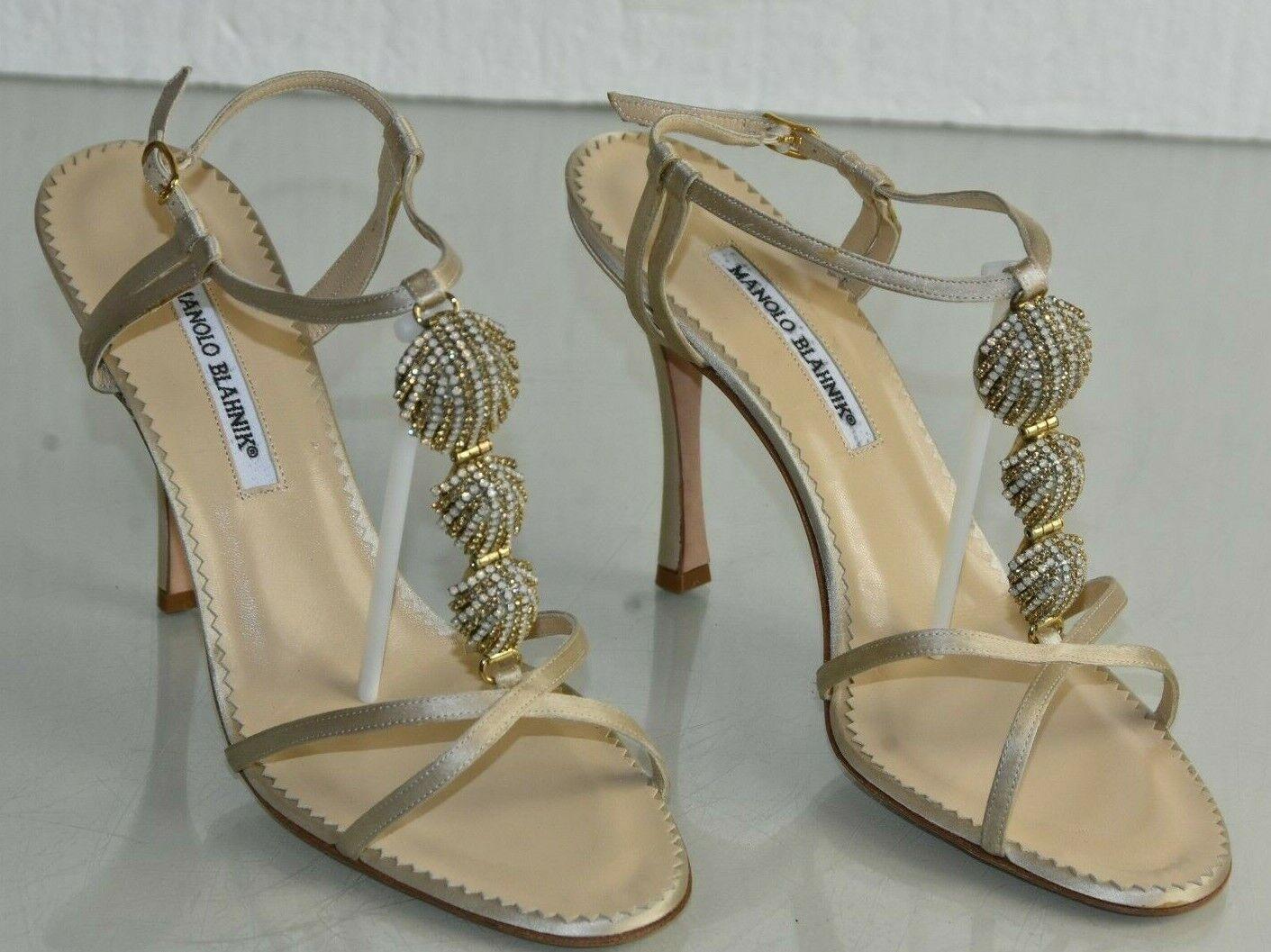 Neu Manolo Blahnik Champagner Satin Jeweled Sandalen Nude Riemchen Schuhe 41.5