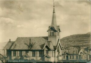 LOT-OF-2-VINTAGE-GERMAN-POSTCARDS-VILLAGE-CHURCH-TOWN-SCENERY-FAST